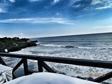 Restaurant overlooking the Indian Ocean in Bali