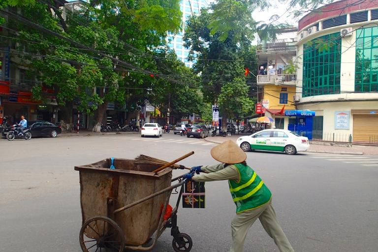 Metro-aide Vietnames woman