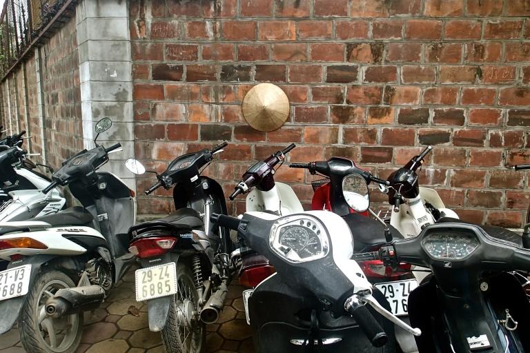 Vietnamese hat and motorbikes in Hanoi