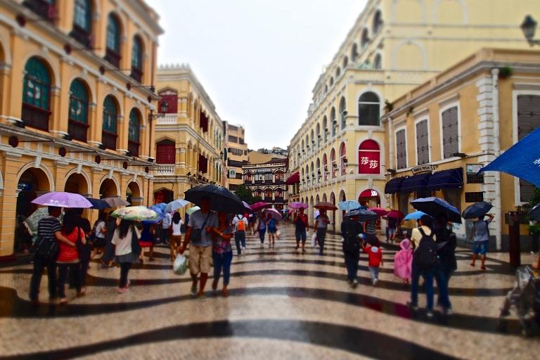 A rainy day at the Senado Square